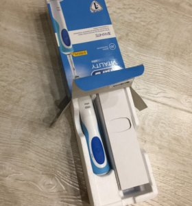 Электрическая зубная щётка Oral-B