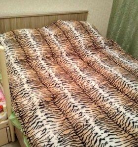 Продам кровать в хорошем состоянии с матрасом