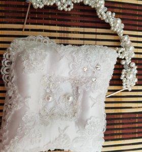Свадебная подушка для колец и бижутерия для волос