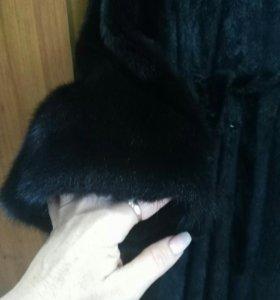 Шуба норка .цвет черный б/у 30т.Размер 48/50
