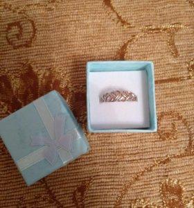 Продам колечко серебро с напылением золотым