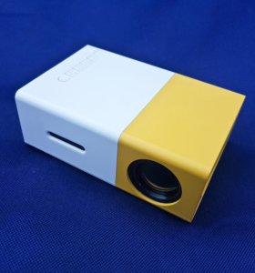 Мини проектор Coolux