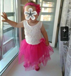 Детское платье,носочки и повязка на год