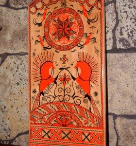 разделочные доски с Мезенской росписью