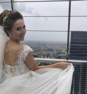 Свадебное платье: летящее, сверкающее, нежное