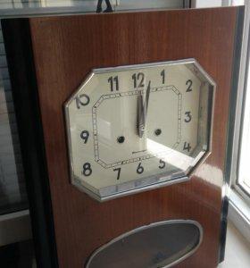 Часы настенные с боем янтарь -на ходу