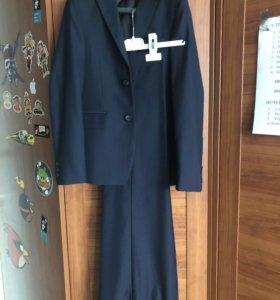 Брючный костюм для школы на мальчика 140 см