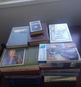 Книги из домашней библиотеки - классика и школьная