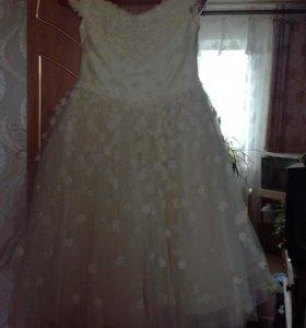 Нарядное пышное платье для девочки 6-8лет
