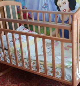 Детская кроватка с попер.маятником