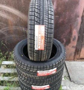 Зимние шины 215 55 R18 Bridgestone Blizzak VRX 95S
