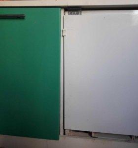 Встроенные холодильник и морозильник