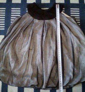 Очень нарядное платье от 9 до 12 месяцев.