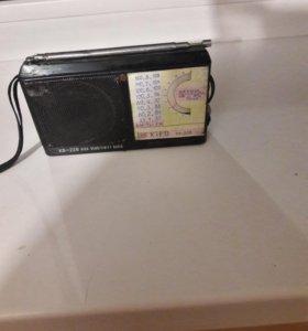 Радиоприемник Маленький Kipo кв 228 старый