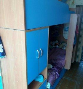 Кровать детская два яруса.