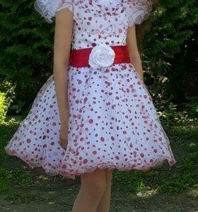 Платье на девочку 9-10 лет