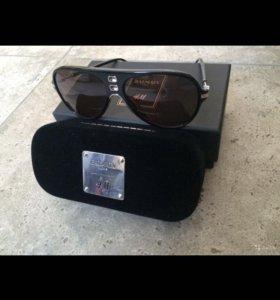 Солнцезащитные очки,новые,лимитированная коллекция