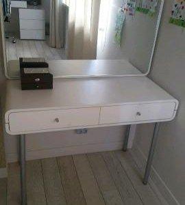 Маникюрный столик для девочки