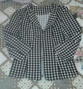 Два школьных пиджака