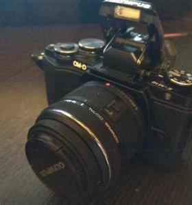 Продается фотоаппарат Olympus OM-D E-M10 kit 14-42