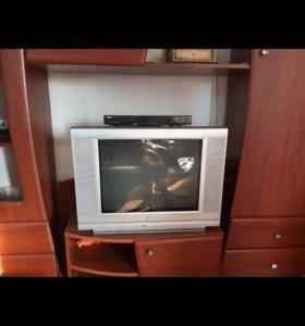 Телевизор+DVD плеер