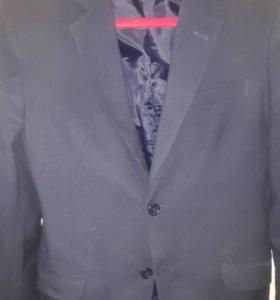Школьный костюм(пиджак+ Двое брюк+жилет)