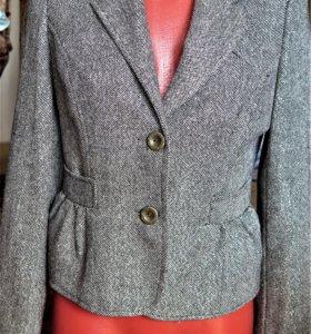 Пиджак женский (укороченного фасона)
