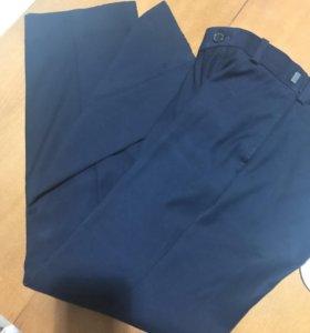 Брюки школьные, рубашка рост 140