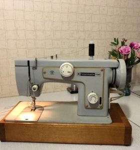Швейная машинка Подольск-132