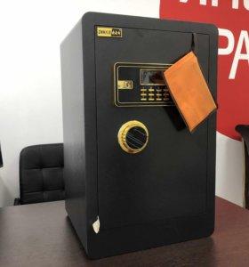 Надежный офисный сейф ( новый)