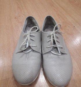 Туфли женские на шнуровке 38р