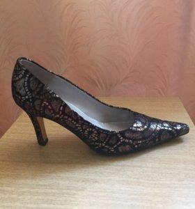 Продам туфли б/у размер 37