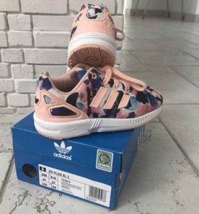 Кроссовки для девочки Adidas