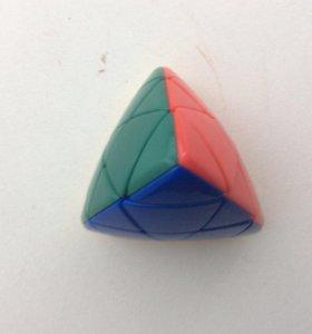 Кубик Рубика (Пираморфикс) Цветной пластик
