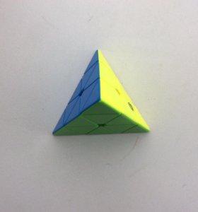 Кубик Рубика Пираминкс(Пирамидка) цветной пластик