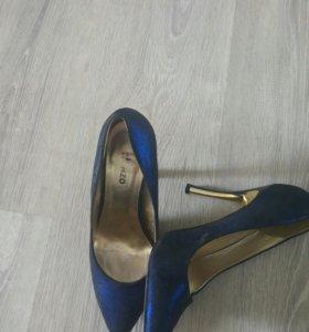 Продам туфли размер 38.