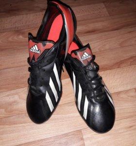 Футбольные бутсы Adidas f50 (Сезон 2011-2012)