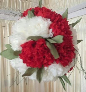 Шар из бумажных цветов