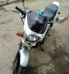 Хонда СБ 400