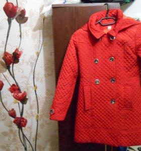 Пальто на девочку 8-10 лет