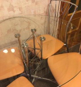 Стол круглый стеклянный и стулья
