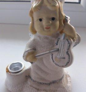Ангелочек с  скрипкой  приносит счастье и  удачу