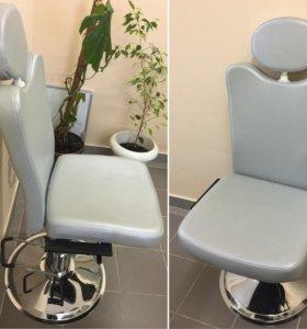 Кресло для макияжа, оформления бровей.