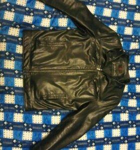 Продаю кожанную куртку