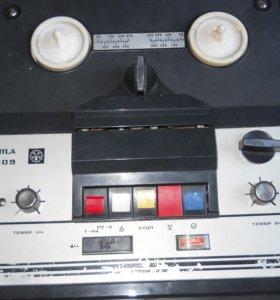 """кассетный магнитофон """"Комета-209"""""""