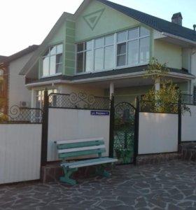Дом, 210 м²