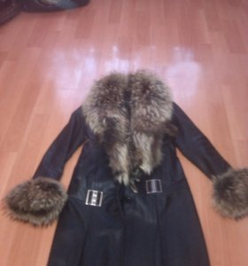 Кожаное пальто с лисой рыжей