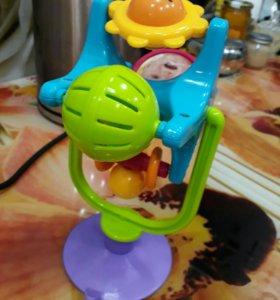 Игрушка на присоске для столика