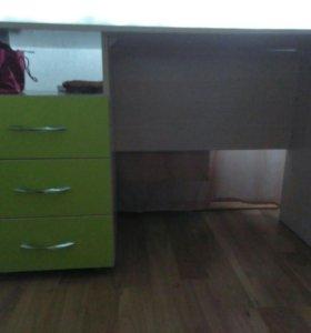 Детская кровать+стол