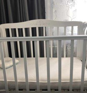 Детская кроватка в идеальном состоянии + подарок